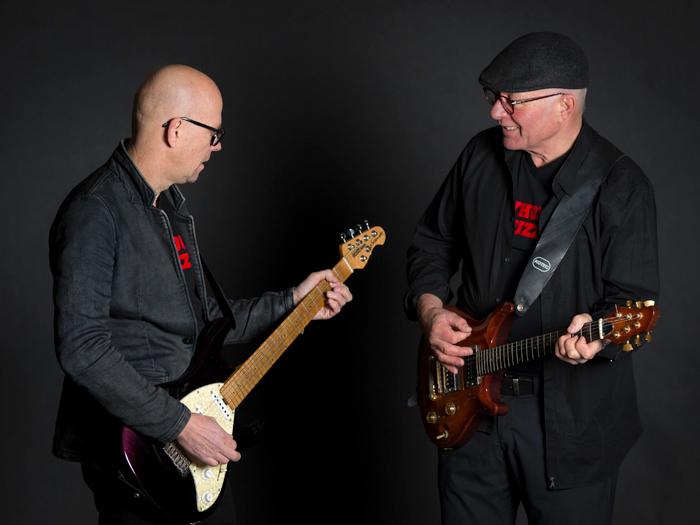 Rainer und Heinz an den Gitarren 2017
